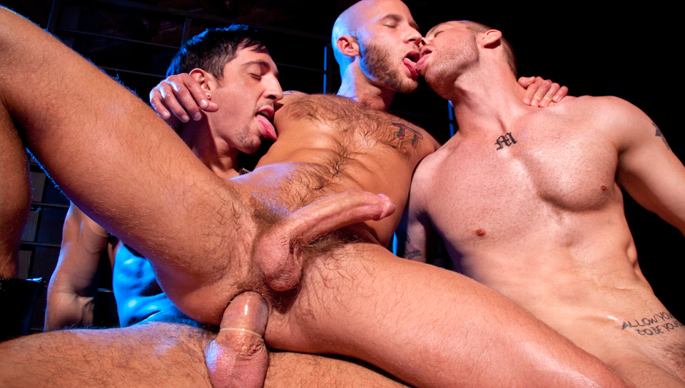 gay-dungeon-porn